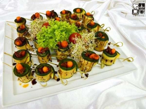 Ruloniki z warzyw grillowanych suszonymi pomidorami